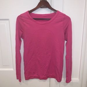 Long sleeved lululemon shirt